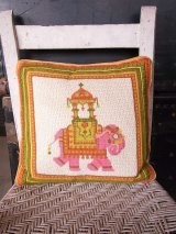 アンティーク クッション インド 動物刺繍 ゾウ ヴィンテージ