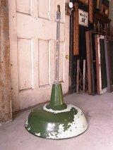 アンティーク 1920'S 30'S factory lamp salvage from Packard Automotive Plant インダストリアルシーリングライト ガスステーションランプ ホーローメタルシェード 琺瑯 ペンダントランプ 1灯 グリーン ペンキ シャフト付 ビンテージ その8