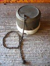 アーリーセンチュリー 1910'S 20'S アメリカ製 レア サーフェイススイッチ プルチェーンスイッチ 天井スイッチ 真鍮 ポーセリン アンティーク ビンテージ