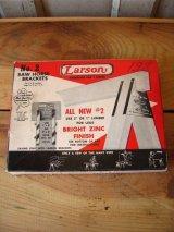 1960's    馬ハードウェア    SAW HORSE BRACKETS Larson 木挽台 パーツ スチール 紙箱 アドバタイジング アンティーク ビンテージ