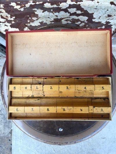 画像2: 1930'S プライスカード $ dollar ダラー 値札 数字 STAMP スタンプセット 箱付き 木製 アンティーク ビンテージ