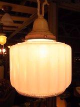 アンティーク 1930年代 装飾付ミルクガラスシェード  ペンダントランプ 1灯 シーリングライト 装飾 ビンテージ