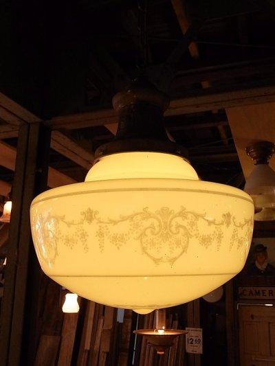 画像1: アンティーク 1920's ペア 柄付きミルクガラスシェード ペンダントランプ 1灯  OLD スクールハウスシーリング 2pcs set ビンテージ