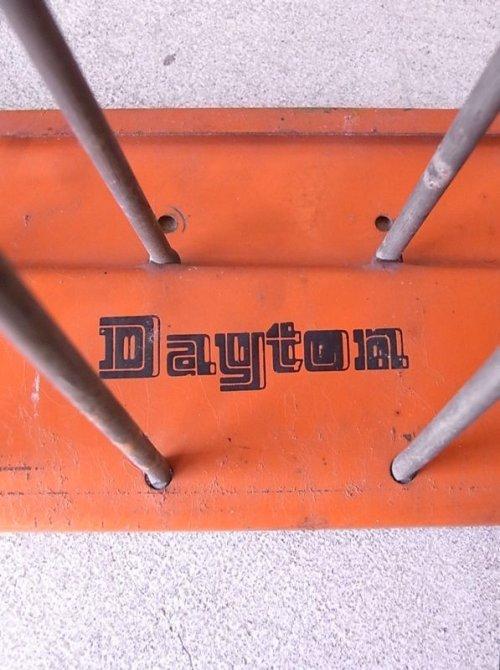 other photographs.1: インダストリアル デイトン アンティーク ショップ什器 ウォールシェルフ 収納ツール フック 18連フック Dayton ビンテージ