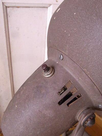 画像4: アンティーク マシーンエイジ アールデコ 1灯 インダストリアル スポットライト テーブルランプ メタルシェード ビンテージ