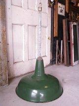 アンティーク 1920'S 30'S factory lamp salvage from Packard Automotive Plant インダストリアルシーリングライト ガスステーションランプ ホーローメタルシェード 琺瑯 ペンダントランプ 1灯 グリーン シャフト付 ビンテージ その6