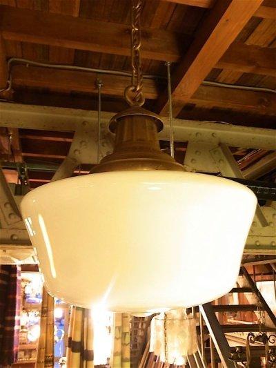 画像1: アンティーク ビクトリアン ミルクガラスシェード ペンダントランプ 1灯 スクールハウスシーリング 装飾 ビンテージ