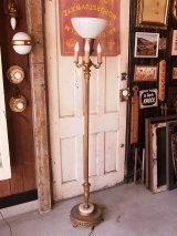 アンティーク ビクトリアン フロアランプ 1+3灯 ミルクガラスシェード 装飾付き土台 天然石 ゴールド ビンテージ