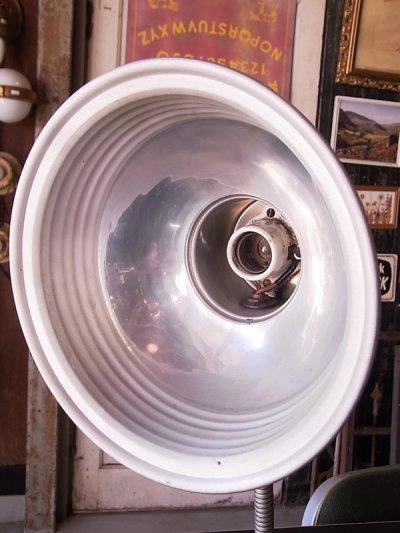 画像2: アンティーク マシーンエイジ 1灯 インダストリアル テーブルランプ メタルシェード スイッチ付き ビンテージ
