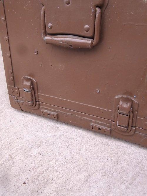 other photographs.1: アンティーク トランク 中型トランク スーツケース ブルー×ブラウン タテ開き コーヒーテーブルに ビンテージ