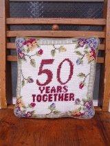 アンティーク ミニクッション 刺繍 金婚式 50 YEARS TOGETHER ヴィンテージ