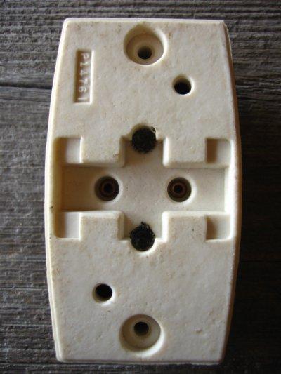 画像5: 1930'S 40'S アメリカ製 BRYANT SURFACE JUNCTION BOX ジャンクション ライティング シーリングベース ベークライト ポーセリン 箱付 デッドストック 配線ダクト 引っ掛けシーリング 代わりに アンティーク ビンテージ