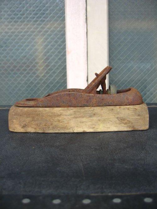 other photographs.1: Old Carpenter's Objet オブジェ 工具セット 鉋 ヤスリ ウッド アイアン ショップディスプレイに アンティーク ビンテージ
