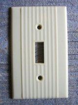 アメリカのスイッチプレート NOS アールデコ 1930'S 1940'S ベークライト アイボリー 1口 アンティーク ビンテージ