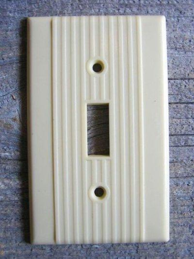 画像1: アメリカのスイッチプレート NOS アールデコ 1930'S 1940'S ベークライト アイボリー 1口 アンティーク ビンテージ