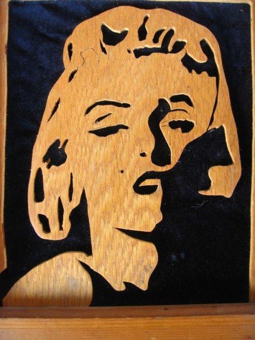 other photographs.2: マリリン・モンロー ウッドアート ウッドフレーム 壁掛け ウォールオーナメント アンティーク ビンテージ