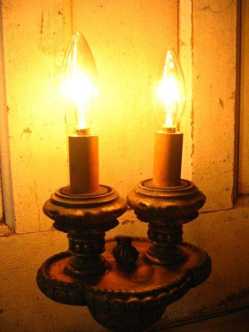 other photographs.3: 1920'S 30'S ヴィクトリアン テーブルランプ 2灯 燭台モチーフ 装飾 ウッド アンティーク ビンテージ