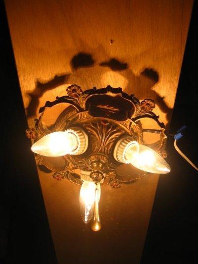 画像1: アーリーセンチュリー フラッシュマウント クラスターライト シーリングランプ ソケットクラスター ベアバルブ ビクトリアン装飾 3灯 ガラスクリスタルチャーム アンティーク ビンテージ