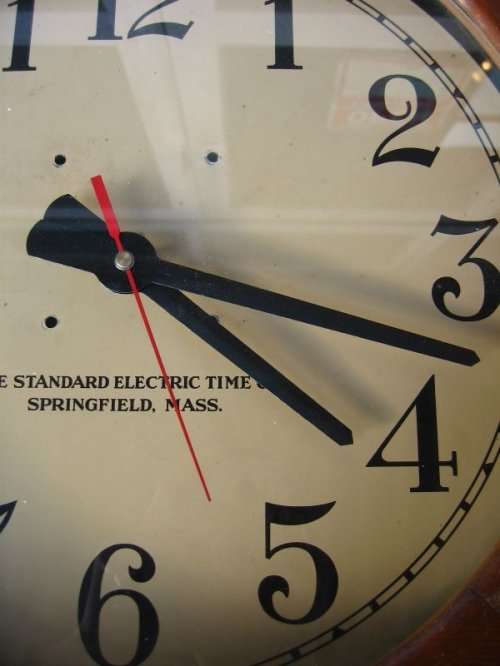 other photographs.2: 1940'S school clock ウォールクロック スクールクロック 壁掛け時計 THE STANDARD ELECTRIC TIME CO. ウッドフレーム アンティーク ビンテージ