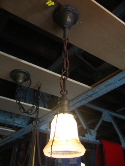 画像2: 1920'S シャビーシック シーリングライト 柄付フロストガラスシェード ペンダントランプ 真鍮 1灯 アンティーク ビンテージ