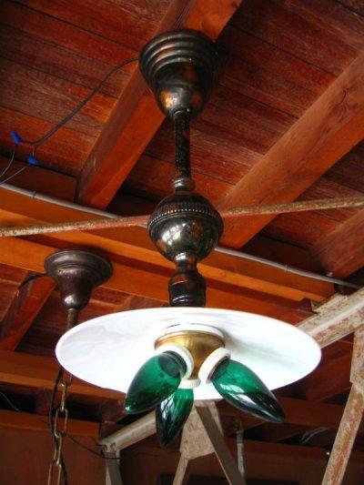 画像2: 1890'S 1900'S 1910'S アーリーセンチュリー フラットシェード FLAT SHADE ミルクガラス フラットシェード ベンジャミン Benjamin トリプル ソケットクラスター ジャパンドメッキ ジャパンカラー 真鍮 銅メッキ アンティーク ビンテージ
