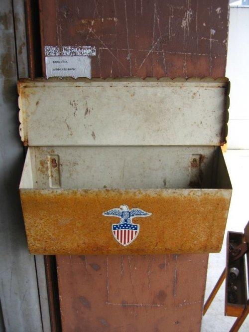 other photographs.1: U.S.MAIL BOX アメリカ ポスト メールボックス 壁掛け デカール メタル シャビーシック アンティーク ビンテージ