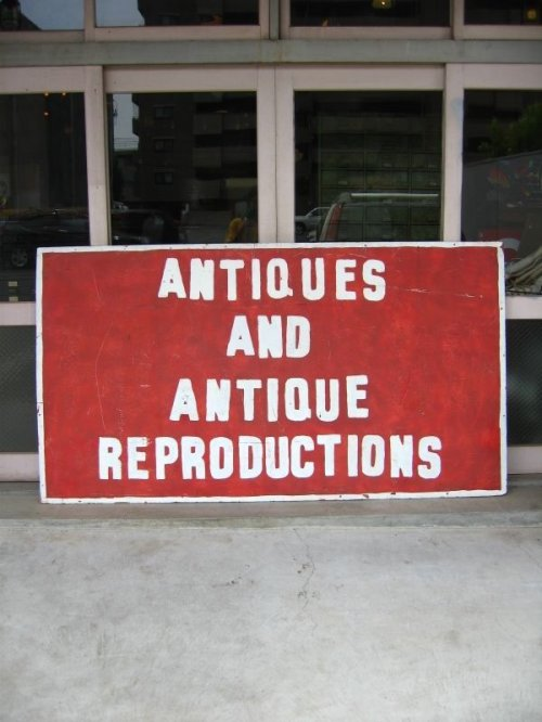 other photographs.1: ANTIQUES AND ANTIQUE REPRODUCTIONS 片面 シャビー 木製看板 ペイント サイン 特大 アンティーク ビンテージ