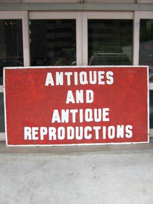 other photographs.2: ANTIQUES AND ANTIQUE REPRODUCTIONS 片面 シャビー 木製看板 ペイント サイン 特大 アンティーク ビンテージ