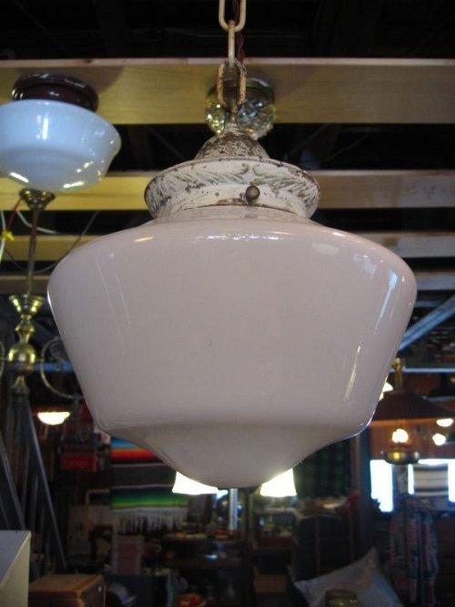 other photographs.1: スクールハウスシーリング 小型 ペンダントランプ ミルクガラスシェード 1灯 真鍮 アンティーク ビンテージ