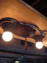 1910's  20's    ヴィクトリアン 2pcsセット フラッシュマウント シーリングランプ ベアバルブ 2灯  装飾  チャーム付き アイアン 鋳物 アンティーク ビンテージ