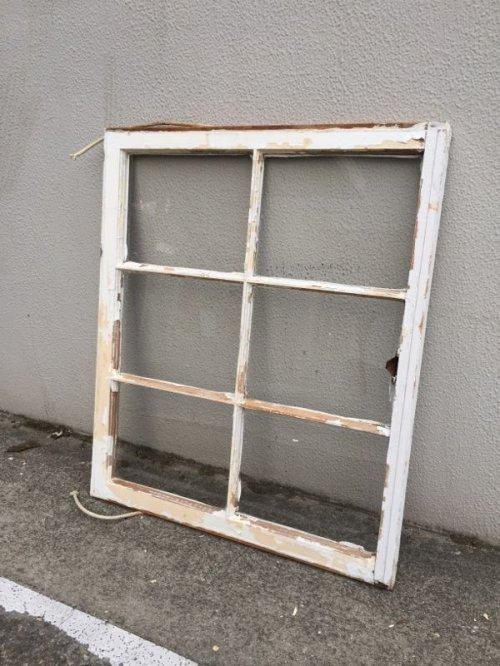 other photographs.2: shabby chic   シャビーシック   まど   木枠ガラス窓   6分割   木製   ホワイト   アンティーク   ビンテージ