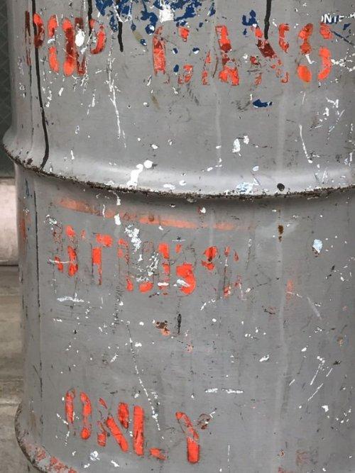 other photographs.1: オイル缶 ステンシル 中型 ドラム缶 トラッシュカン ダストボックス シャビーシック アンティーク ビンテージ