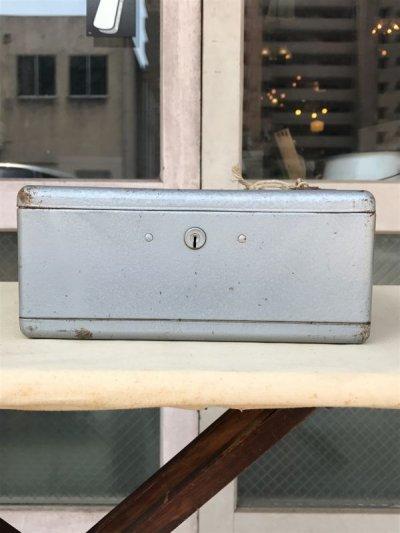 画像2: メタルティンボックス ミニ金庫 ポータブル金庫 鍵付き インダストリアル アンティーク ビンテージ