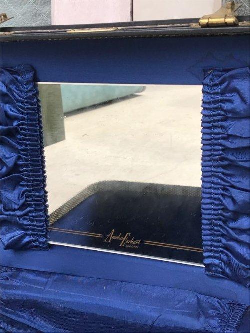 other photographs.2: 50'S メイクボックス Amelia Earhart Luggage バニティケース ミラー付き 店舗什器に アンティーク ビンテージ