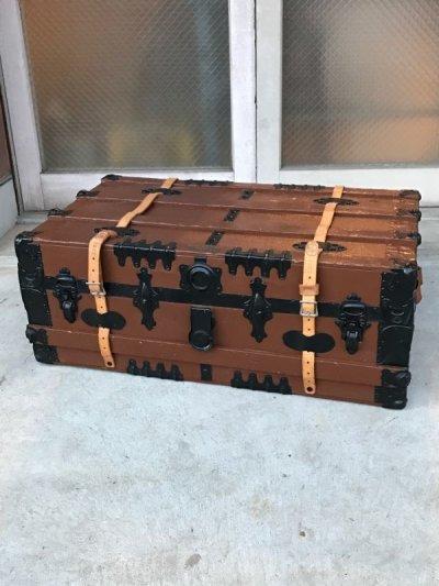 画像1: トランク western grip & trunk co. スーツケース レザーストラップ付き 店舗什器 アンティーク ビンテージ