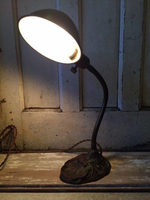 other photographs.1: インダストリアル デスクランプ タスクランプ 1灯 真鍮シェード アイアン アンティーク ビンテージ