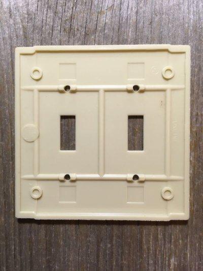 画像2: アメリカのスイッチプレート NOS アールデコ 1930'S 1940'S ベークライト アイボリー 2口 アンティーク ビンテージ