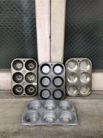 画像1: USA マフィン カップケーキ モールド 型 アルミカップ 小物入れ テーブルソーター カップケーキパン マフィンパン カントリー雑貨 ショップ什器 アンティーク ビンテージ