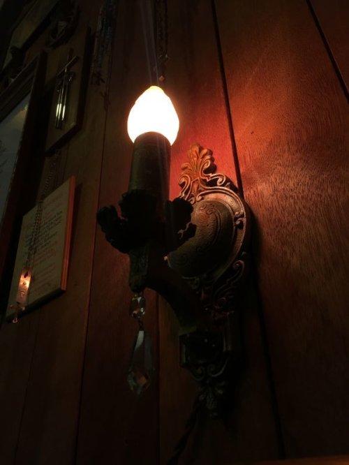 other photographs.1: 1910'S 20'S 3個セット ビクトリアン ウォールマウントランプ クリスタル ガラス チャーム付 1灯 装飾 3pcs アンティーク ビンテージ