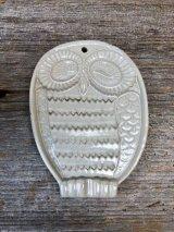 1960'S ウォールデコ ミッドセンチュリー オブジェ OWL オウル フクロウ 不苦労 フォークアート 陶器 ベジタブルグレーター チーズグレーター ウォールオーナメント アンティーク ビンテージ