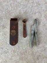Old Carpenter's tools & Objet オブジェ 工具 変わりハサミ シザー スパナ ? 3点セット ヘビーアイアン ディスプレイに アンティーク ビンテージ