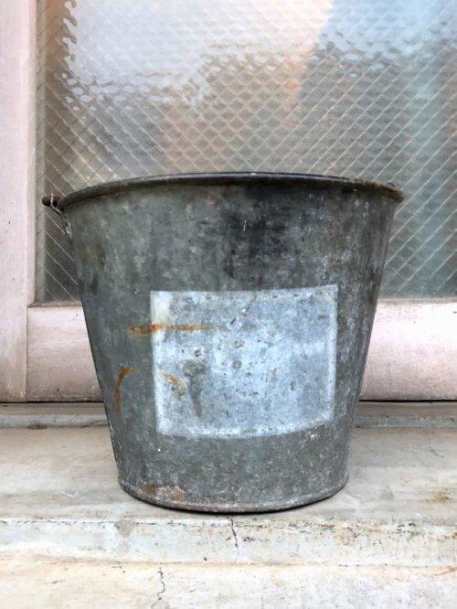 other photographs.1: 1930'S 40'S bucket トラッシュカン バケツ バケット シャビーシック FIRE ダストボックスなどに ブリキ アイアン ビンテージ アンティーク