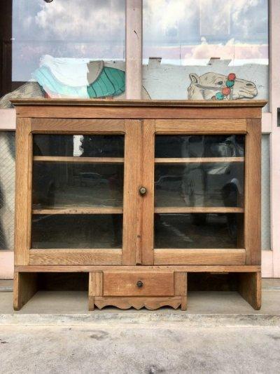 画像1: 1880'S 90'S 1900'S 10'S カップボード 陳列棚 ウッドキャビネット ディスプレイケース ショーケース シャビーシック モールディング アーリーセンチュリー 19世紀 20世紀 ウッド ガラス アンティーク ビンテージ