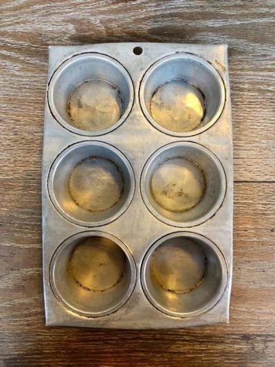 画像2: USA マフィン カップケーキ モールド 型 アルミカップ 小物入れ テーブルソーター カップケーキパン マフィンパン カントリー雑貨 ショップ什器 アンティーク ビンテージ