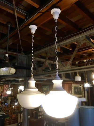 画像1: 1920'S 30'S ペア 2PCS/SET アールデコ スクールハウス シーリング ミルクガラス ブラス 真鍮 1灯 シャビーシック 薄ピンク アンティーク ビンテージ