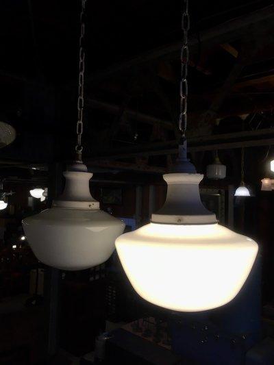 画像2: 1920'S 30'S ペア 2PCS/SET アールデコ スクールハウス シーリング ミルクガラス ブラス 真鍮 1灯 シャビーシック 薄ピンク アンティーク ビンテージ