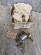 30'S 40'S CORBIN NOS cabinet display case lock デッドストック モルティスロック  彫り込み錠 真鍮 アンティーク ビンテージ