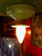 ウォールマウント&シーリングマウント シャビーシック ペイント ベアバルブ フラッシュマウント 1灯 メタル ポーセリン アンティーク ビンテージ